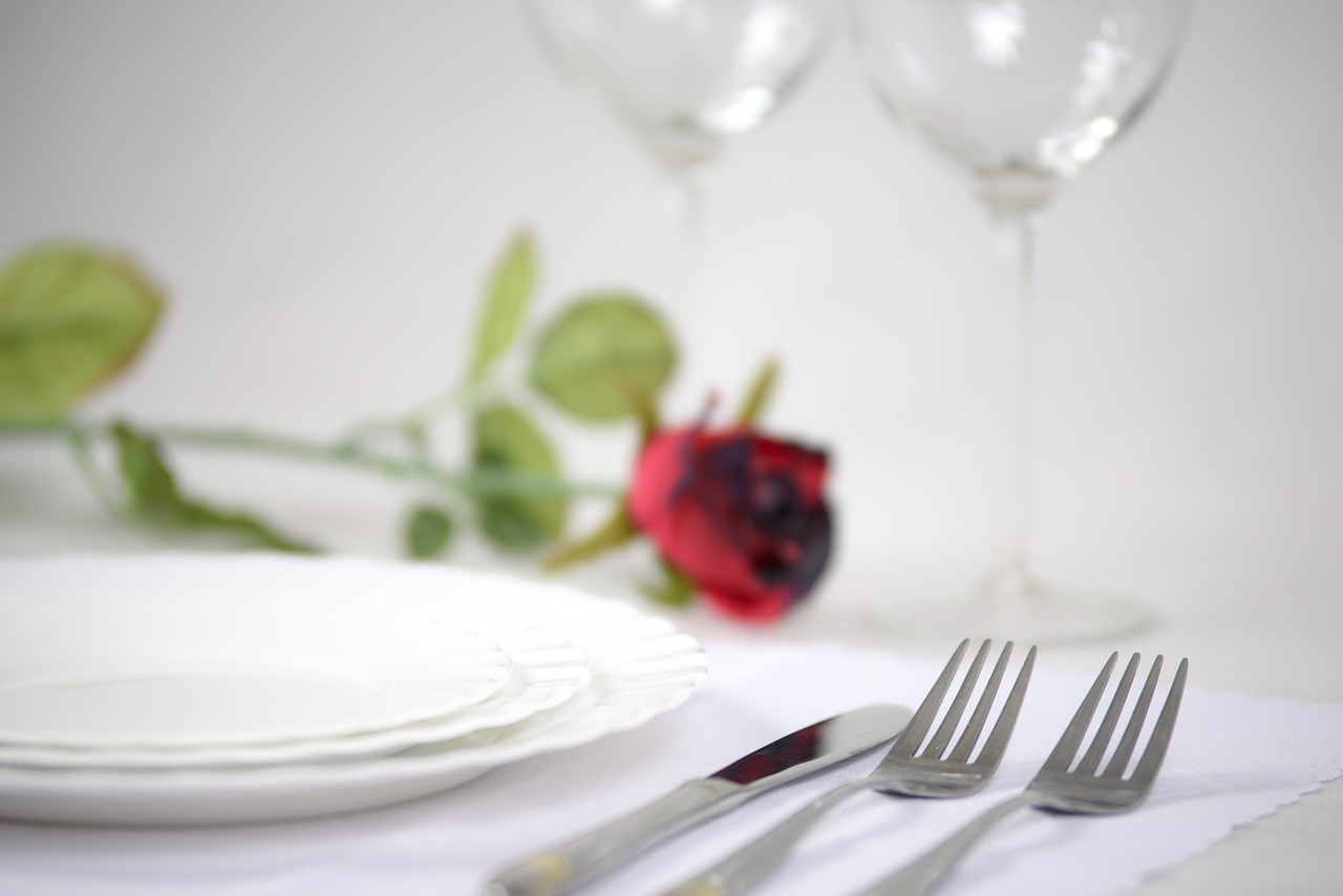 Serwis obiadowy: co się na niego składa?
