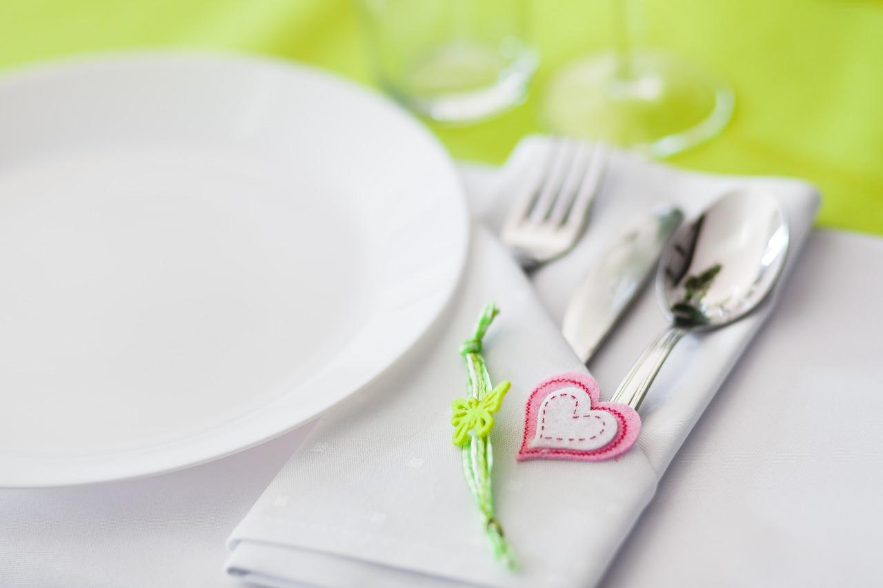 Serwis obiadowy: co uwzględnić przy zakupie?
